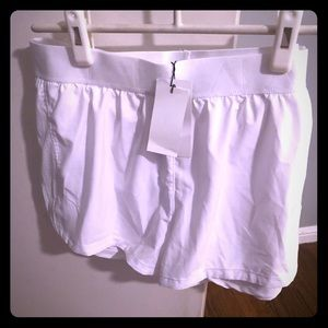Alala Court Short in white size L